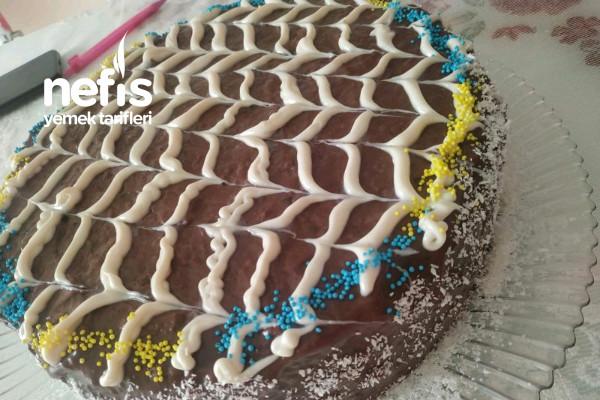 Yaş Pasta Görünümlü Bisküvili Pasta Tarifi