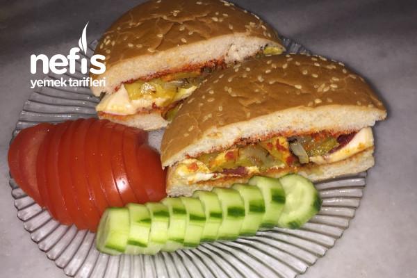 Yumurtalı Ve Sucuklu Hamburger Tarifi