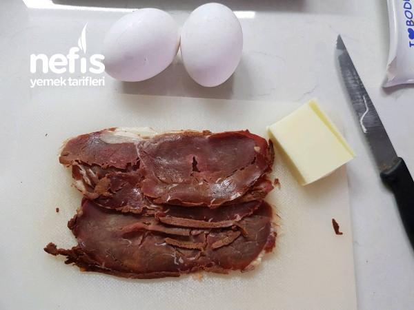 Kaşarlı Pastırmalı Yumurta