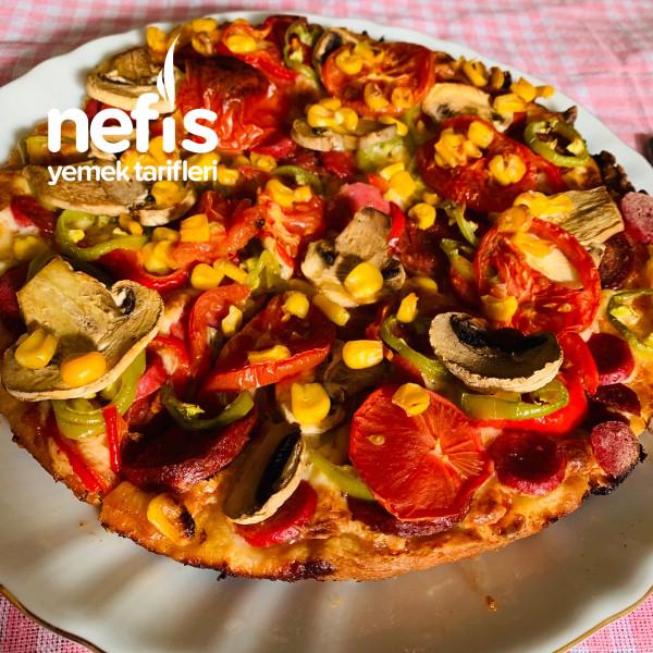 Bol Malzemesi İnce Hamuruyla Nefis Pizza Tarifi