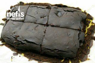Keçiboynuzu Unlu Şekersiz Brownie Tarifi