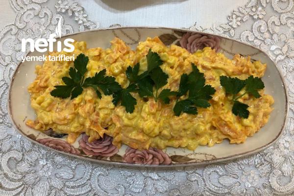 Mısırlı Yoğurtlu Havuç Salatası