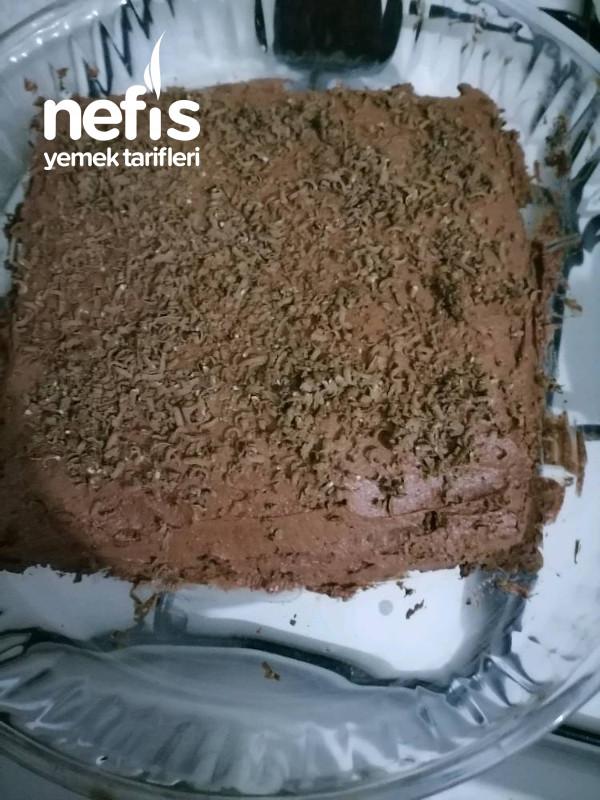 3 Malzemeyle Yaş Pasta (Fırın Kullanmadan)