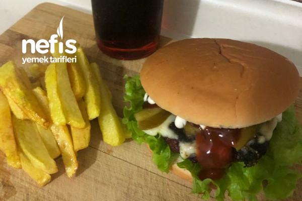Hamburger (Çocuklarımıza Dışardan Yedirmeye Gerek Yok) Tarifi