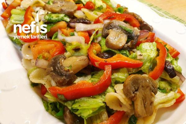 Mantarlı Yeşil Salata (İtalya) Tarifi