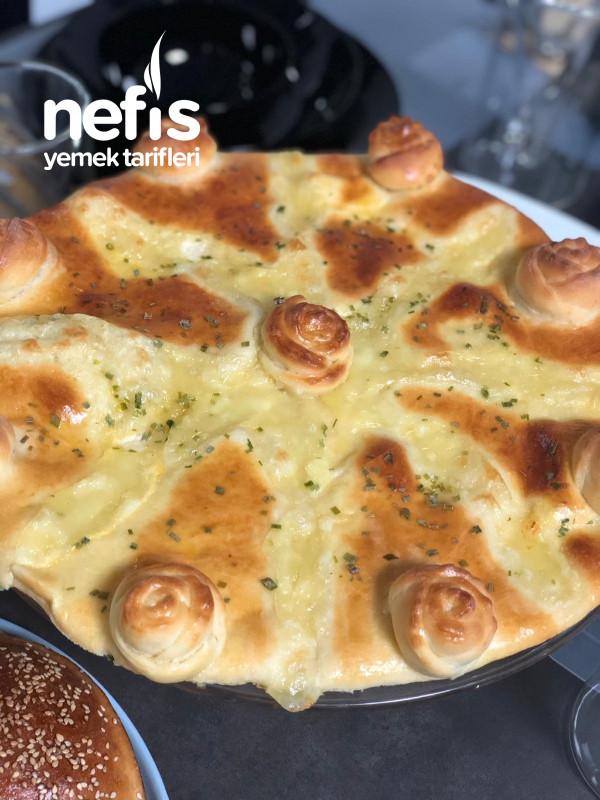 Mozzarella Peynirli Çörek