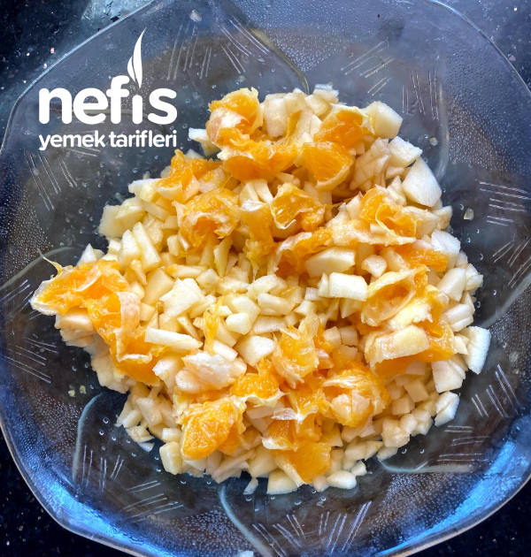 Nemli Dokusuyla: Elmalı Portakallı Nefis Kek