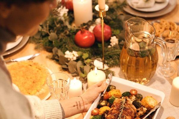 sevgiliye romantik masa hazırlama