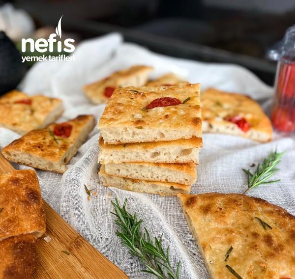 İtalya'dan Bir Ekmek: Focaccia