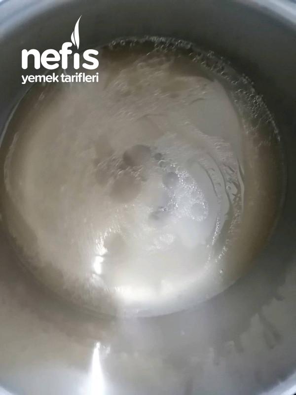 Pirinçli Köfte Yemeği
