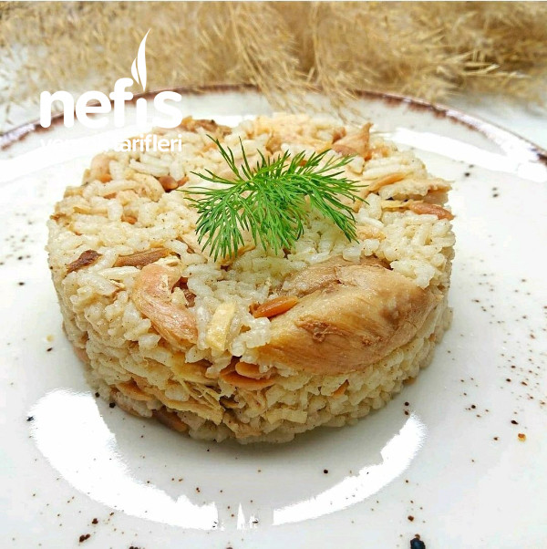 Tavuklu Şehriyeli Nefis Pilav