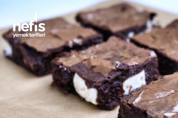 Enfes Beyaz Çikolatalı Brownie