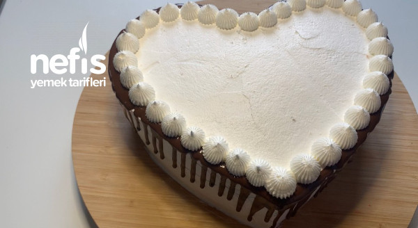 Evde Kendi Yaptığım Kalıpla Şahane Çilekli Kalp Pasta(videolu)