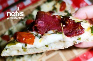 Hafta Sonu Kahvaltılık Pide Pizza Tarifi