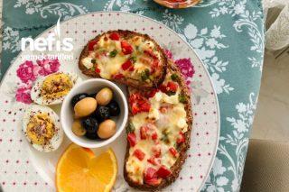 Sabahlara Özel Zeytinyağlı Sarımsaklı Fırınlanmış Ekmek Dilimleri Tarifi