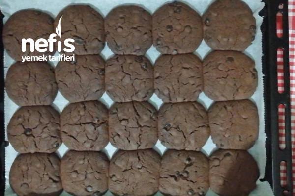 Yiyeceğiniz En Gevrek Kurabiye (Çikolatalı Dev Kurabiye, Videolu)