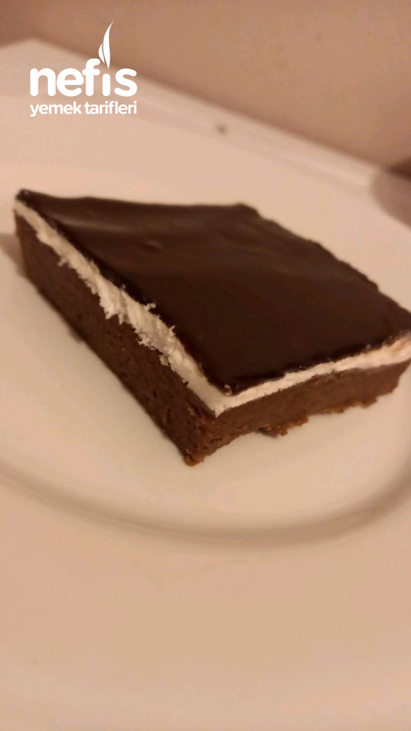 Kolay Ağlayan Pasta( Biskuvi ile )