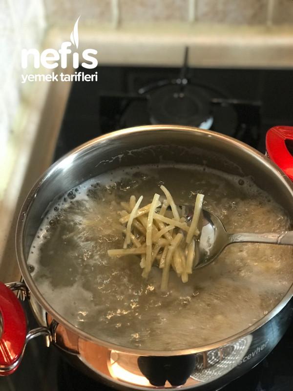Erişte Böreği