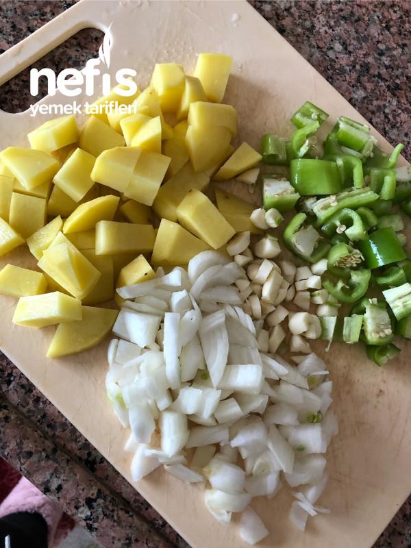 Etli Patatesli Patlican Yemeği