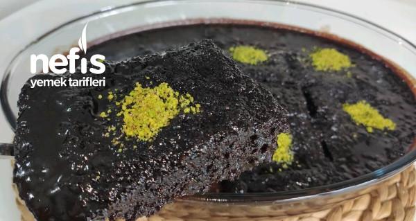 Sıcak Soslu Sufle Tadında Islak Kek (Videolu)