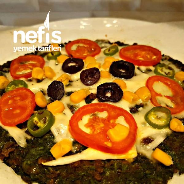 Glutensiz Ispanak Tabanlı Pizza