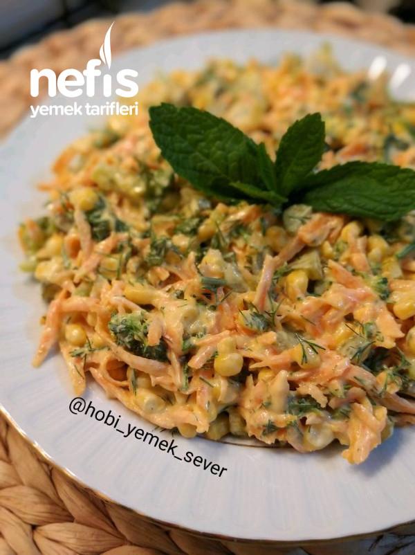 Çok Lezzetli Yoğurtlu Brokoli Salatası