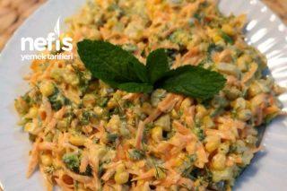 Çok Lezzetli Yoğurtlu Brokoli Salatası Tarifi
