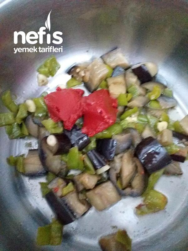 Kavurmalı Sebzeli Güveç Yemeği