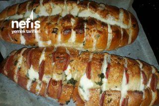 Sucuklu Kaşarlı Sarımsaklı Ekmek Tarifi