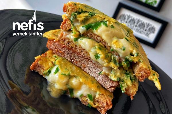 Yumurtalı Çeçil Peynirli Sandaviç
