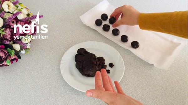 Kahvenin, Çayın Yanına 5 Dakikada Çikolatalı Atıştırmalık