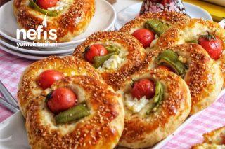 Peynirli, Domates, Biberli Açık Poğaça Tarifi