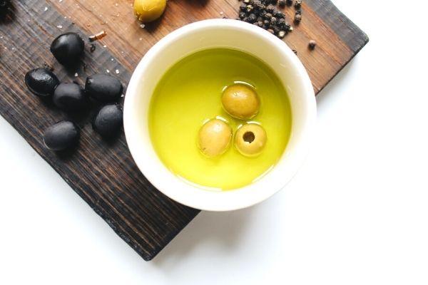 Zeytinyağı İçmenin Kanıtlanmış 10 Faydası Tarifi