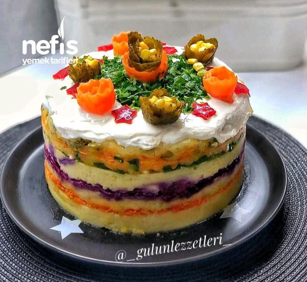 Pasta Şeklinde Sebzeli Patates Salatası