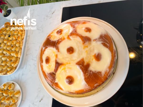 Ananaslı Soslu Kek
