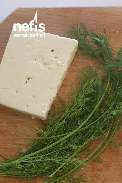 Dereotlu Peynirli Rum Ekmeği (Psomi Spitiko)
