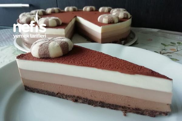 3 Renkli Çikolatalı Pasta