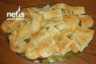 El Açması Ispanaklı Börek ( Sırrı İç Malzemesinde) Tarifi