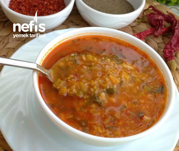 Ekşili Ispanak Çorbası (Damaklarda İz Bırakacak)