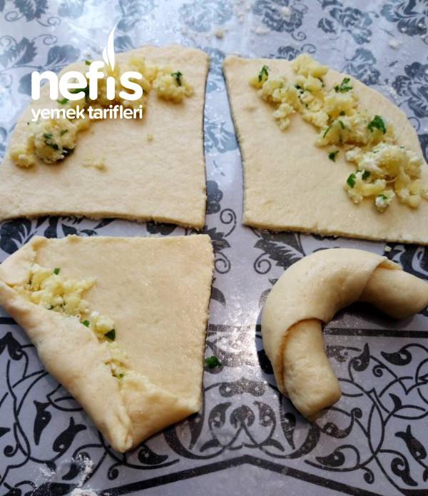 Patatesli Peynirli Ay Çöreği