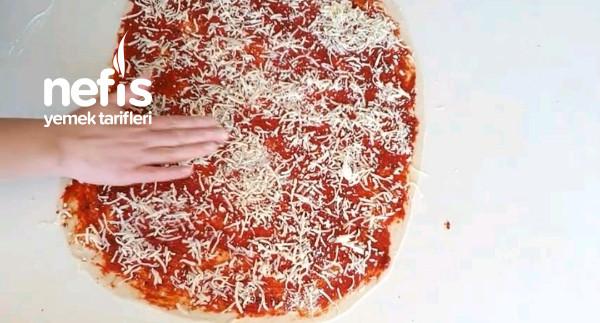 Çıtır Pizza Çubukları (Videolu)