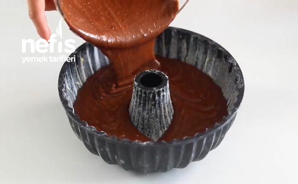 Kek Kalıbında Islak Kek