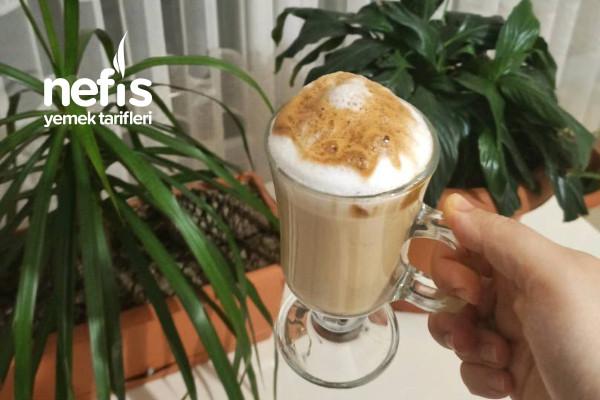 Dalgona Kahve (Dışarıda Kahve İçmeye Son )