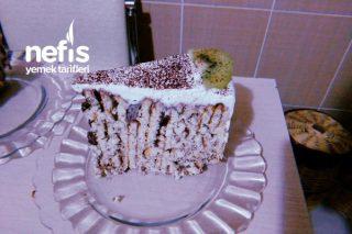 Bisküvili Pasta (Uygun Fiyatlı Yaş Pasta Görünümlü) Tarifi