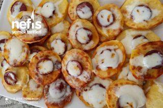 Fırında Sucuklu Kaşarlı Patates Dilimleri Tarifi