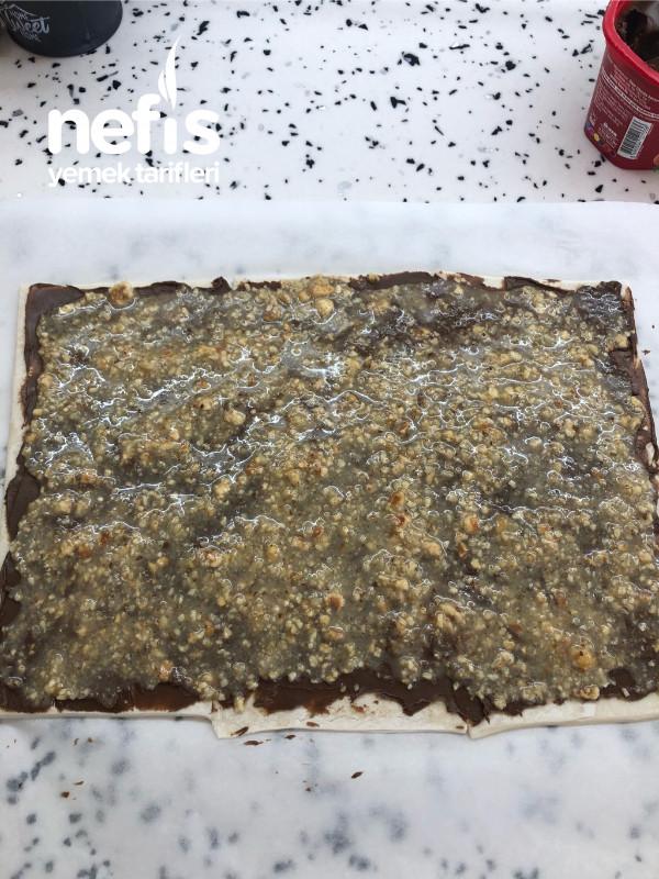 Cevizli Fındıklı Çikolatalı Ve Peynirli Milföy Çubukları
