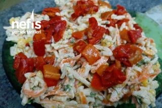 Erişteli Havuçlu Enfes Gün Salatası Tarifi