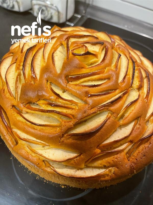 Elmalı Kek Gül Görünümlü