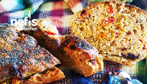 Sağlıklı Ekşi Mayalı Domatesli Zeytinli Ekmek
