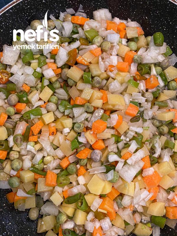 Bol Sebzeli Bulgur Pilavı